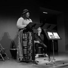 Yaya Mbile Bitang sous les yeux de Marcel Bozonnet ... lecture de poésies(...)