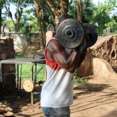 Sport traditionnel au Mali, la Fédération malienne de bras de fer sportif est(...) © Thibault Petit